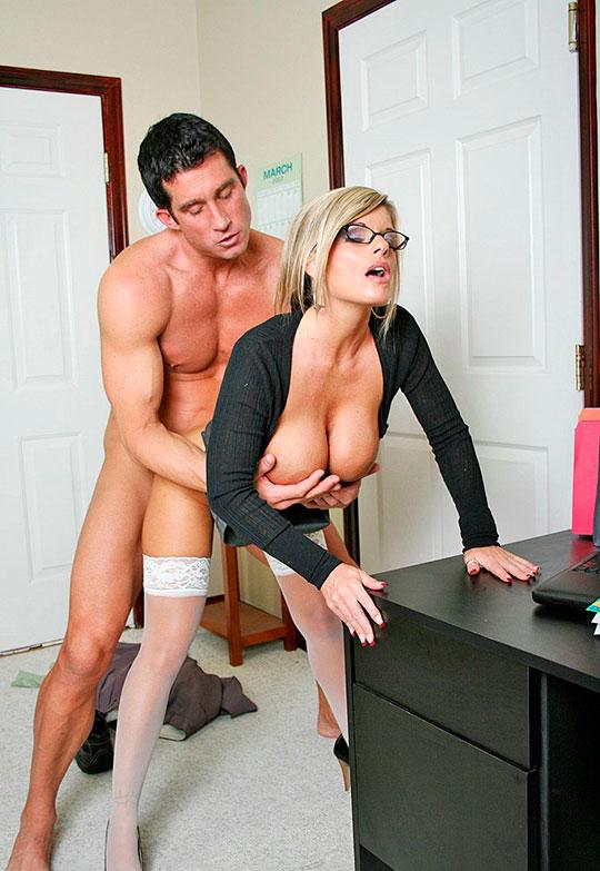 раскошная офисная сучка грудастая блондинка порно