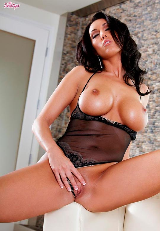 Erotic Twistys Dylan Ryder Got Porn 1