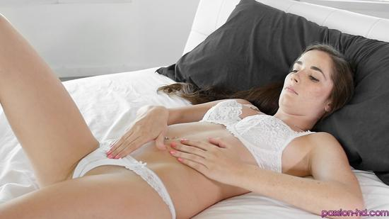 Хд порно на белой простыне