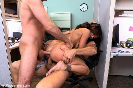 выебал катьку в офисе порно видео