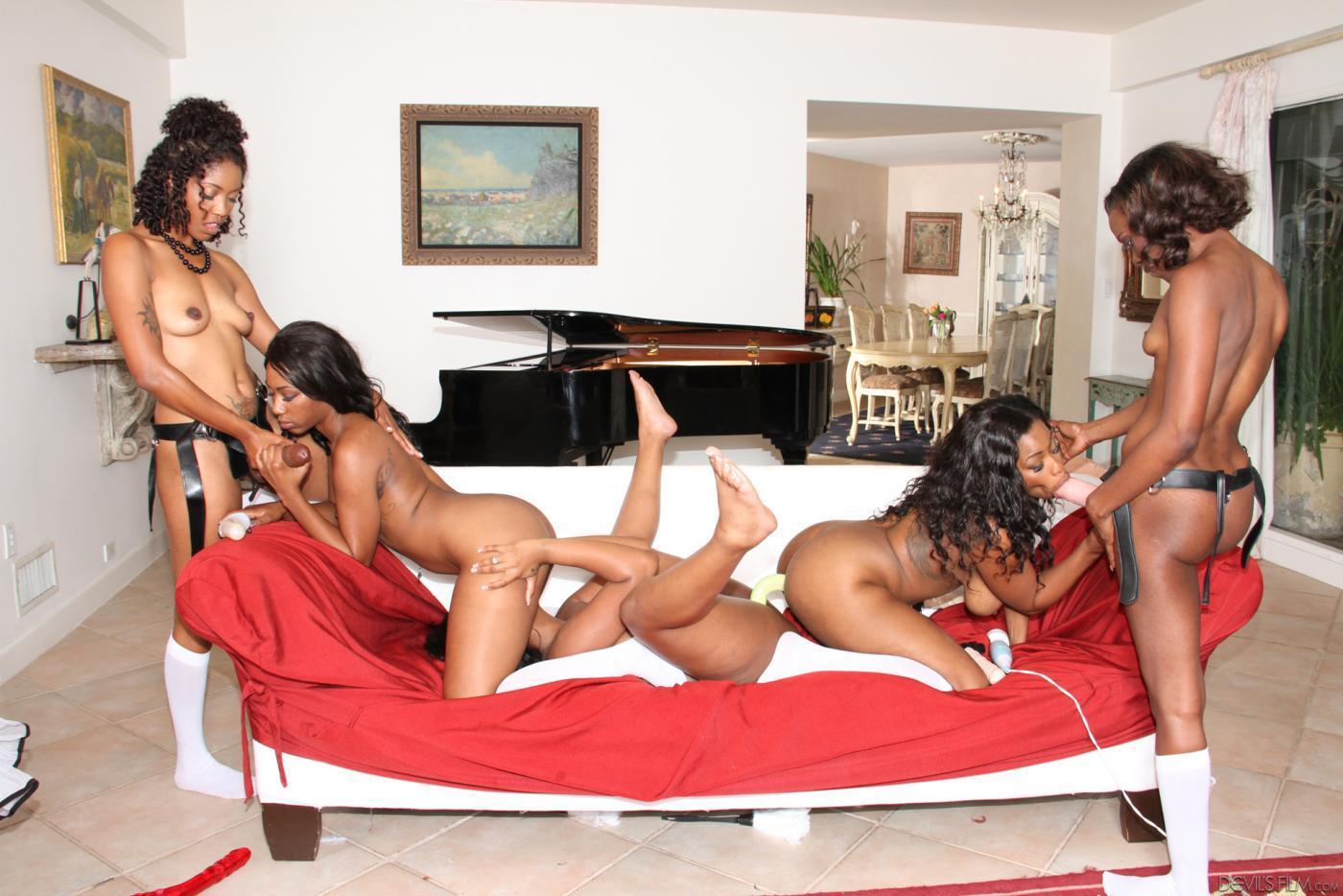 лисбиянки фото афро