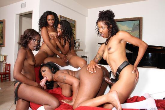 Фото чернокожие лесбиянки