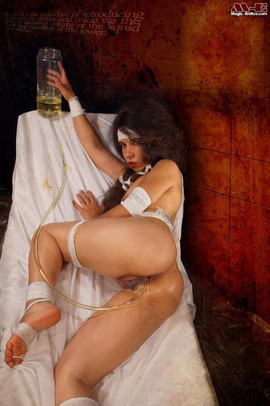 Жесткое порно с азиаткой анал фото