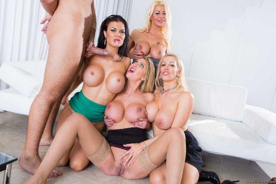 Порно онлайн фото блондинки